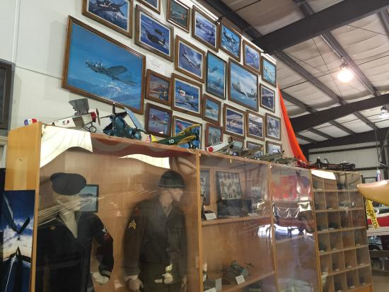 N.C. Aviation Museum: Artifacts & photos