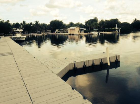 Boyd's Key West Campground: Looking back over the dock and ramp for boats