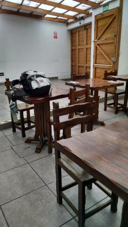 Hostal Killari: Área de refeições