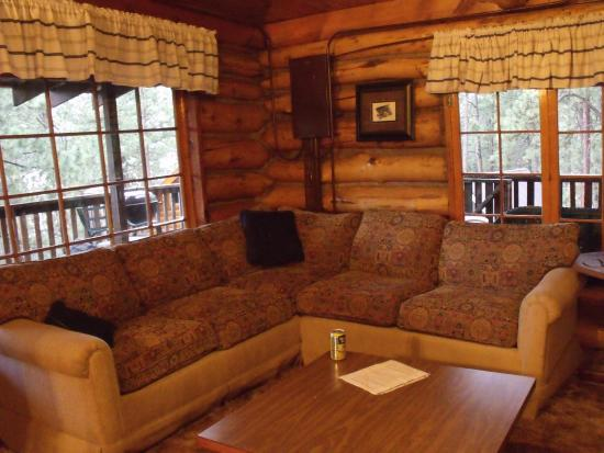 Pine River Lodge: Hamilton Cabin - Living Room