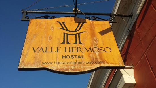 Hostal Valle Hermoso: Sign