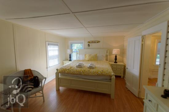 Westhampton Beach, NY: Another view of Room 9- Grassmere Inn