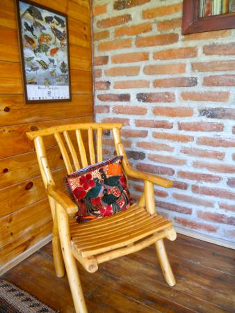 El Refugio de Intag Cloud Forest Lodge: Some of the furniture is made with local Intag Valley coffee wood.