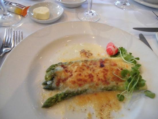 Cafe Montpeliano: アスパラのチーズ焼き
