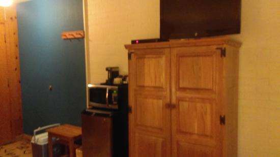 Dude Rancher Lodge: storage, refrigerator and microwave
