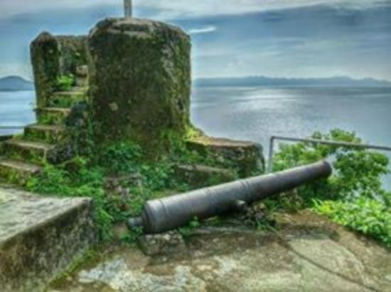 Hotel Maya: Culion fort beside the hotel