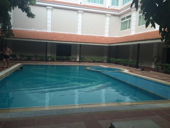 Angkor Riviera Hotel: Pool View
