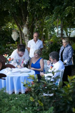 Noosa Valley Manor B&B Retreat: Hosts as witness for Elopement