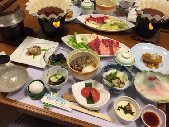 Shiobetsu Tsuru-tsuru Onsen: 見た目も楽しめる美味しい食事