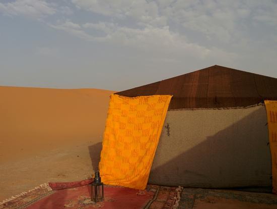 Bivouacs La Belle Etoile: The exterior of the Berber tent