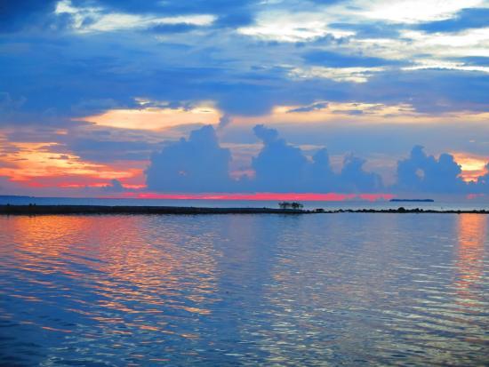 Kura Kura Resort: Sunset