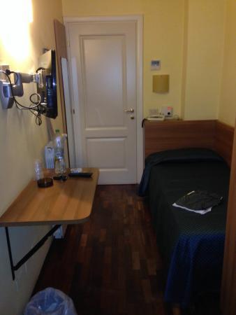 Nuovo Bristol Hotel: Lato porta