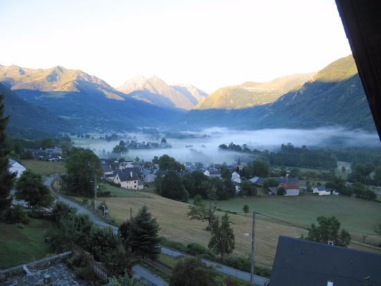 Les Terrasses de Saubissan : vue d'une chambre au petit matin