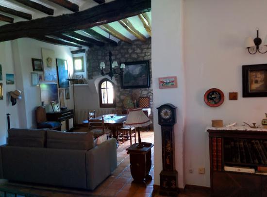 Serinyà, España: The shared living room.