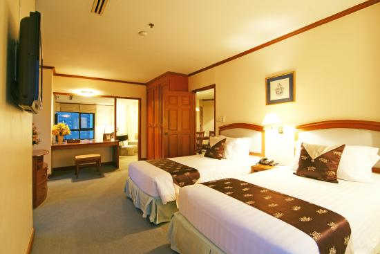 Junior Suite Picture Of Grand Diamond Suites Hotel