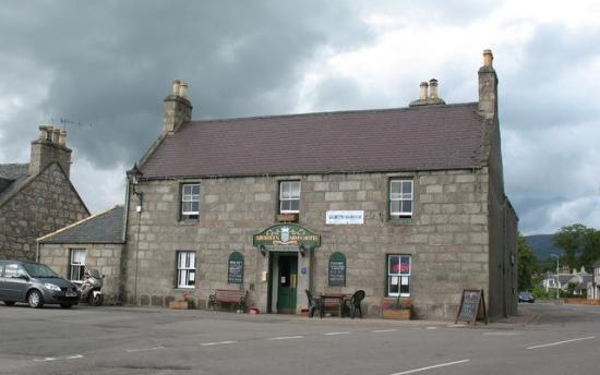 Aberdeen Arms Hotel Tarland
