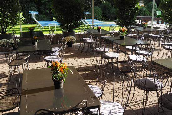 Restaurant Alpine Lodge : Das Restaurant gegen Aussen