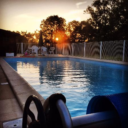 Gavray, Francia: Sunrise Swim