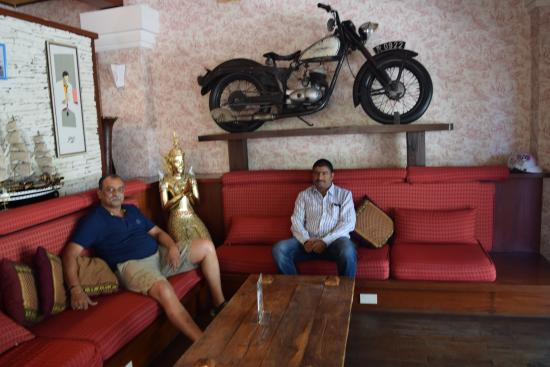 Nirvana Boutique Suites: An antique Harley Devidson