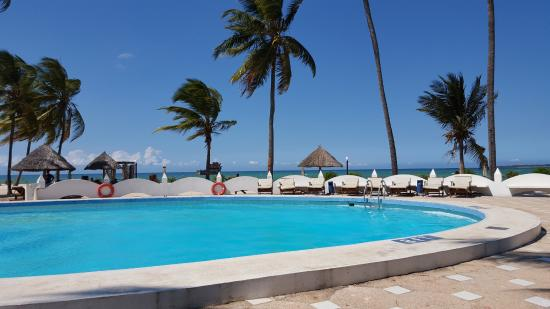 Swimming pool picture of kunduchi beach hotel and resort dar es salaam tripadvisor for Swimming pools in dar es salaam