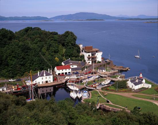 Crinan Hotel : Scarba to the west