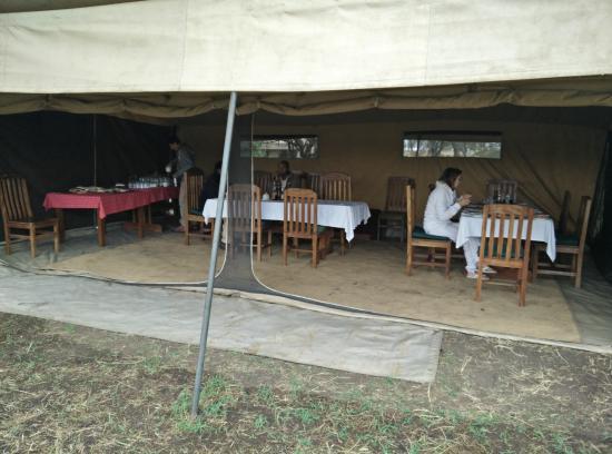 Mbugani Camps Tent Camp : Dining area in Mbugani