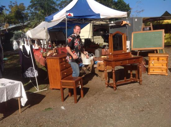 Bangalow Market: Michael and his vintage/antique/retro items