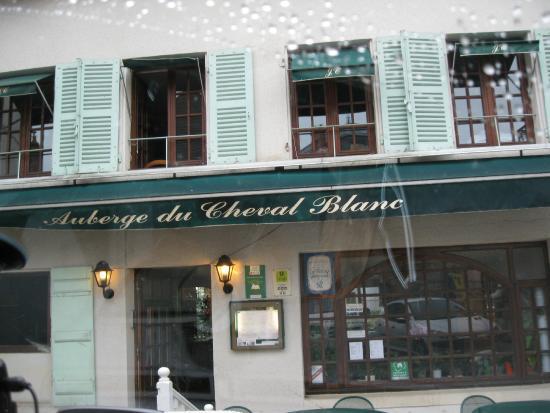 St Boil, Frankrike: Restaurant front