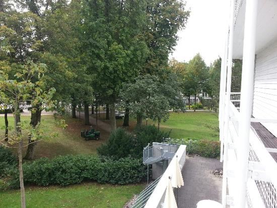 Best Western Premier Parkhotel Bad Mergentheim: Balcony side view,  so quite and peacefully