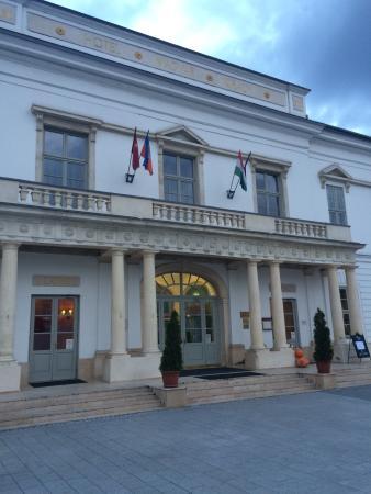 Hotel Magyar Kiraly: ホテル マジャール キライ