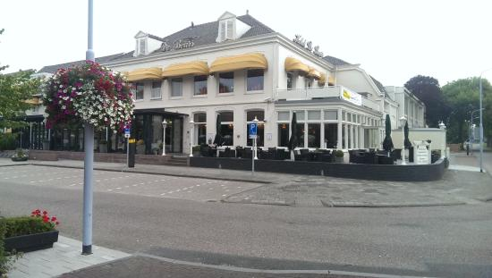 Hotel De Beurs: Front view