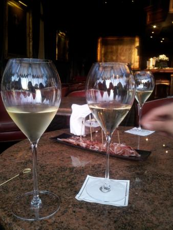 Brasserie < Le Jardin > Les Crayeres: Apéro Champagne