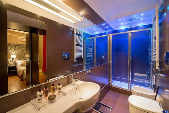 St Peter Guest House: Bagno