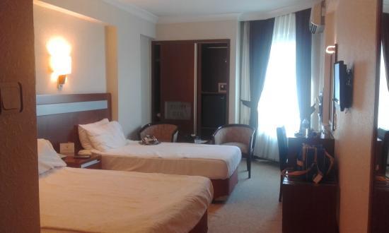 Atalay Hotel: Hotel room