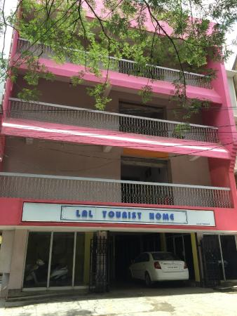 Lal Tourist Home