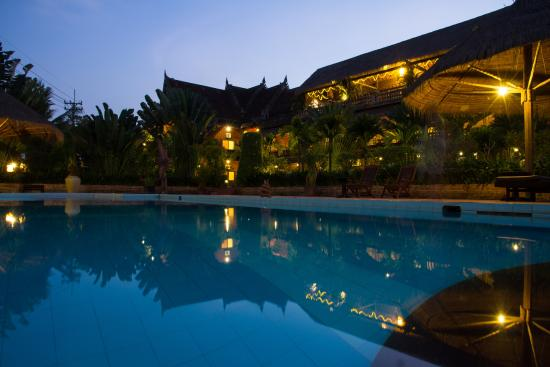 Angkor Spirit Palace: Swimming Pool