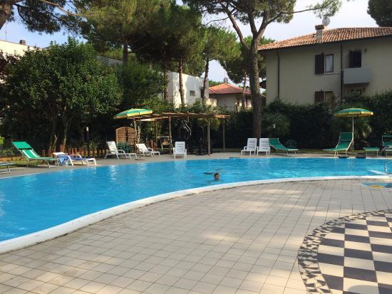 Piscina foto di hotel ambasciatori terme cervia tripadvisor - Piscina comunale ravenna prezzi ...