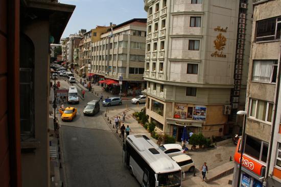 All Day Istanbul Hotel: Вид из окна третьего этажа