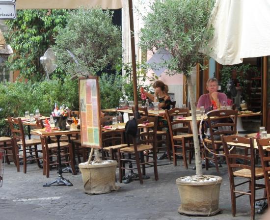 Cajo E Gajo Outside Tables Photo De