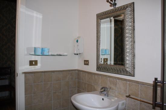 อันติกา ดิโมรา เดลลอร์โซ: ванная комната
