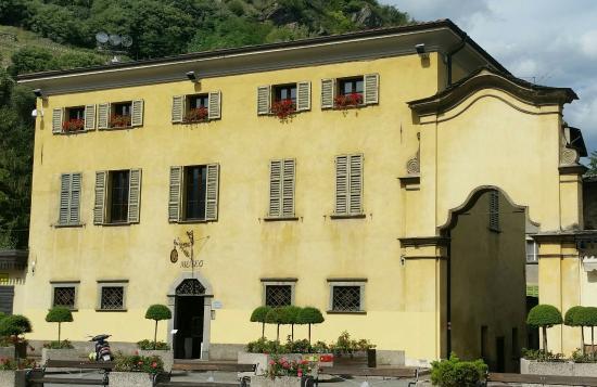Museo Etnografico Tiranese (MET)