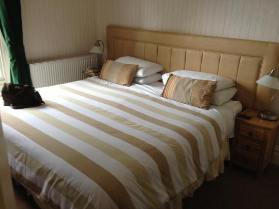 The Old Manse Guesthouse : Comfy bed