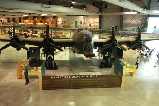 National Air Force Museum >> The Restored Handley Page Halifax Bomber National Air Force Museum