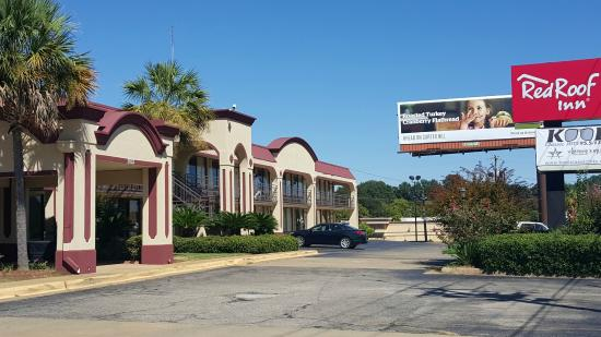 Red Roof Inn Montgomery Midtown: Exterior