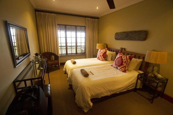Gwahumbe Game & Spa: Bedroom 1 Eagle's Nest