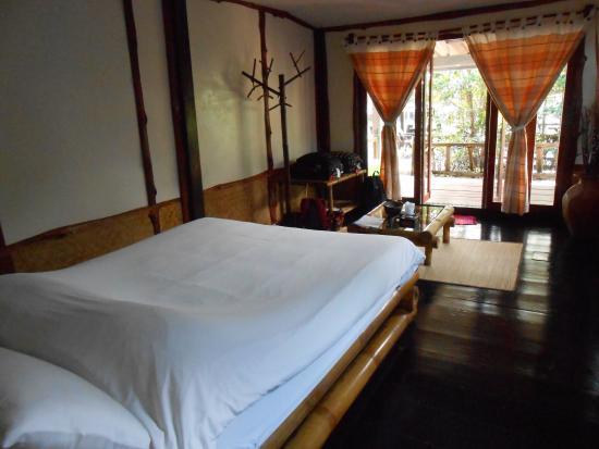 Baan Rim Nam: Intérieur de la chambre