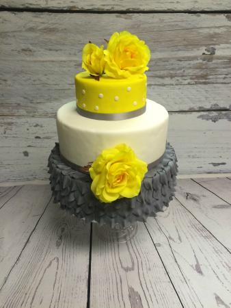 Newfield, NJ: Custom Cake