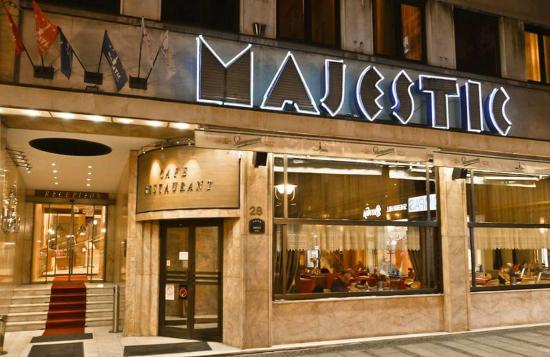 Hotel Majestic : Front