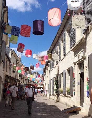 Hotel de Biencourt: Hotel and street
