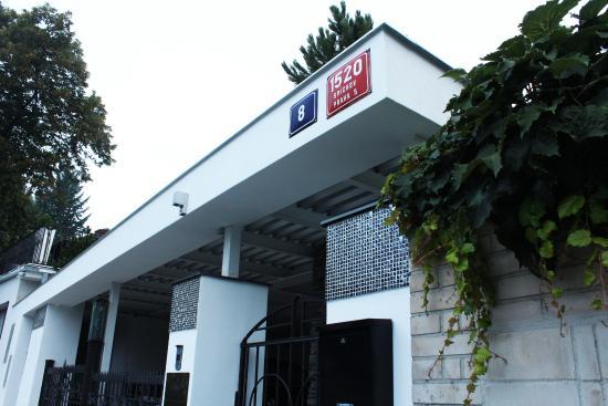 Wellness spa boutique hotel pod lipkami prague updated for Boutique hotel wellness